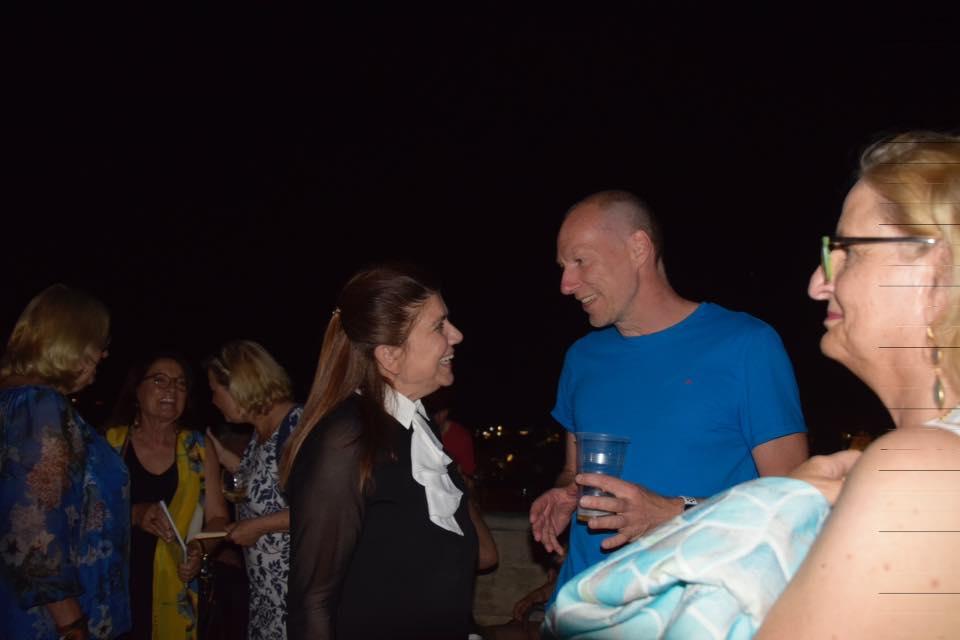 Maria Frendo, die Organisatorin des VIAF Festivals und Torsten Behle